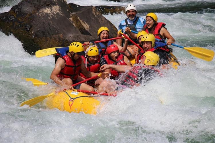 In Aluminé, Neuquén, Argentina you can Rafting: Circuito Abra Ancha en río Alumine with LATITUR