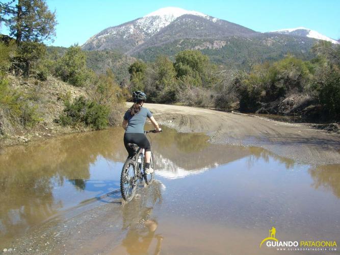 In Circuito Chico, San Carlos de Bariloche, Río Negro, Argentina you can Circuito Chico en Bicicleta / MTB with LATITUR