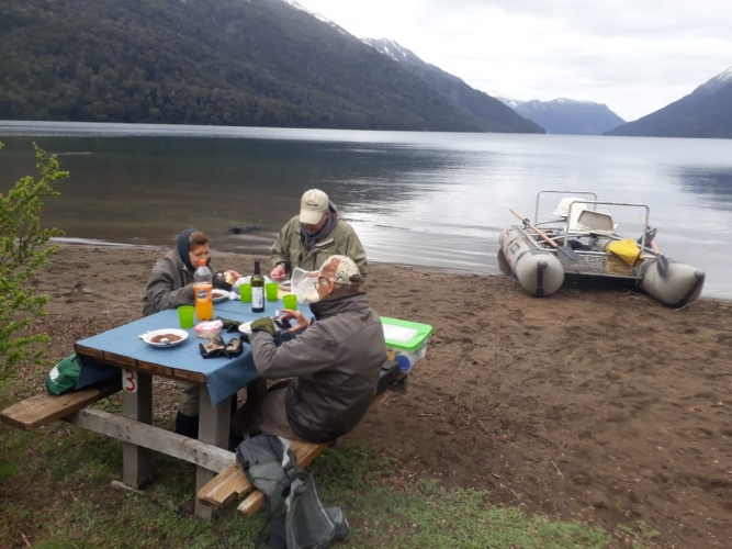 In San Martin de los Andes, Neuquén, Argentina you can Salidas de pesca with LATITUR
