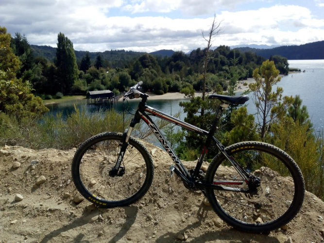 In Lago Guillelmo, Río Negro, Argentina you can Paseo en bicicleta por Lago Guillelmo with LATITUR
