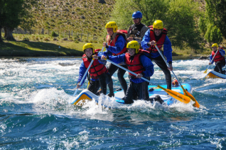 With LATITUR on San Carlos de Bariloche you can make Stand up rafting por el Río Limay