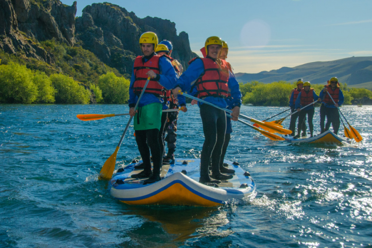 In Bariloche, Río Negro, Argentina you can Stand up rafting por el Río Limay with LATITUR