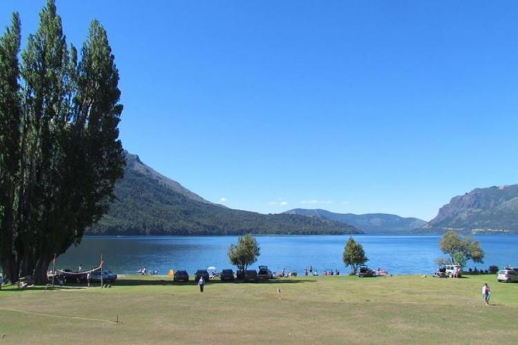 In Playa Muñoz, Lago Gutiérrez, San Carlos de Bariloche, Río Negro, Argentina you can Multiaventura baqueanos en Bariloche with LATITUR