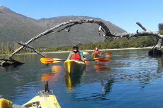 With LATITUR on San Carlos de Bariloche you can make Kayak + trekking en Estancia Peuma Hue