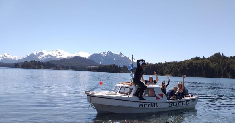In Lago Moreno, Río Negro, Argentina you can Salida de Buceo en Bariloche / Patagonia with LATITUR