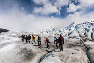 With LATITUR on El Calafate you can make Minitrekking por Glaciar Perito Moreno