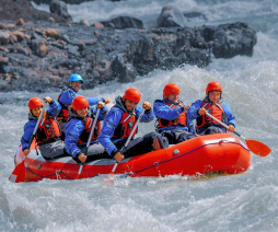With LATITUR on El Chalten you can make Rafting experience en El Chaltén