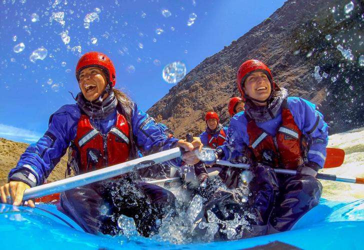 In Río De las Vueltas, Santa Cruz, Argentina you can Rafting experience desde El Chalten por la mañana with LATITUR