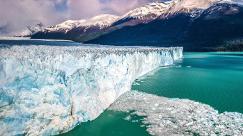 With LATITUR on Glaciar Perito Moreno, Santa Cruz, Argentina you can make Glaciar Perito Moreno