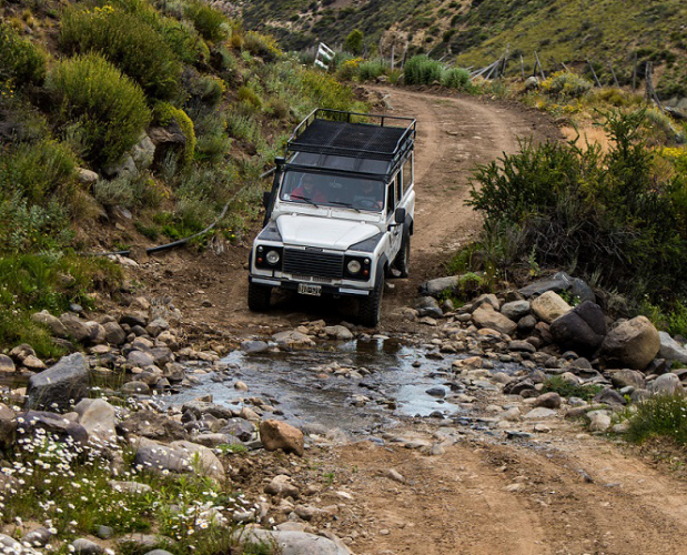 In El Calafate, Santa Cruz, Argentina you can Safari Experience en 4x4 with LATITUR