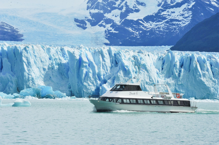 In Glaciar Perito Moreno, Santa Cruz, Argentina you can Excursión Privada al Glaciar Perito Moreno with LATITUR
