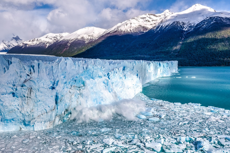 In El Calafate, Santa Cruz, Argentina you can Excursión Glaciar Perito Moreno con navegación with LATITUR