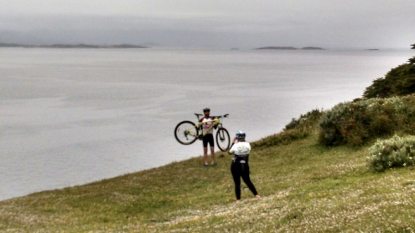 In Avenida San Martín 830, Ushuaia, Tierra del Fuego, Argentina you can Experiencia túnel en bici with LATITUR
