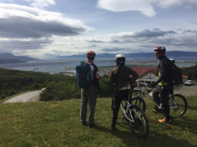 With LATITUR on Ushuaia you can make Glaciar Martial al extremo en bicicleta