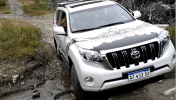 With LATITUR on Ushuaia you can make Lagos Off Road con canoas