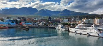 With LATITUR on Ushuaia you can make Navegación por el Canal Beagle en Catamarán