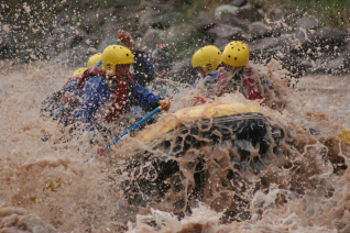 With LATITUR on Potrerillos you can make Rafting Nivel Intermedio - Potrerillos