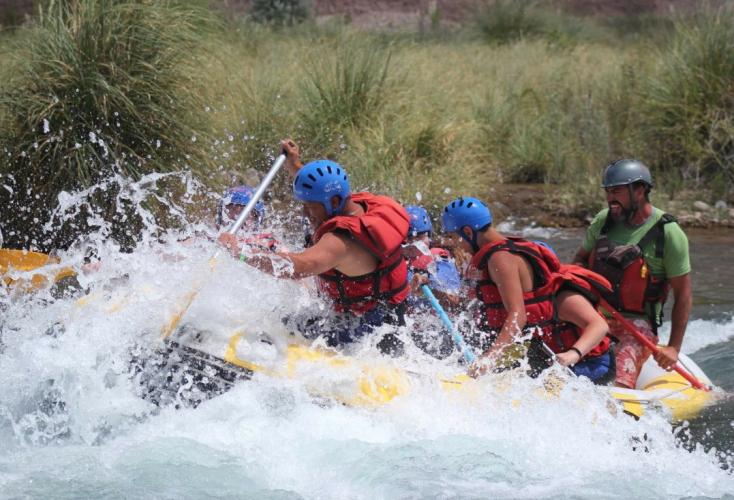 In Xnoccio Aventura Potrerillos, Avenida Los Condores, Potrerillos, Mendoza, Argentina you can Terma de Cacheuta + Rafting río Mendoza + Tirolesa with LATITUR