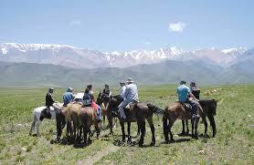 In Cacheuta, Mendoza, Argentina you can Cabalgata en Cacheuta de 2 horas with LATITUR