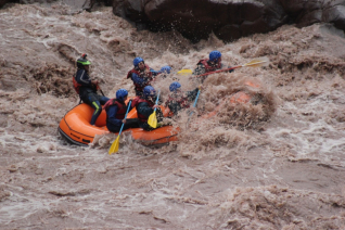 With LATITUR on Potrerillos you can make Rafting Potrerillos y Trekking con Rapel