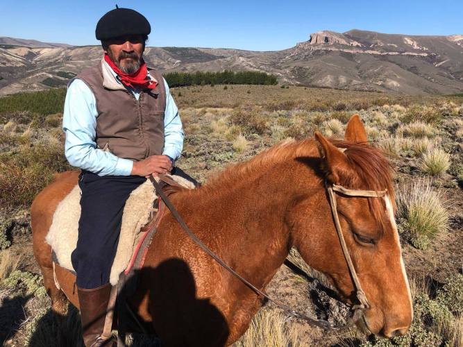 In Río Ñirihuau, Río Negro, Argentina you can Cabalgata 2 horas en Comunidad Mapuche with LATITUR