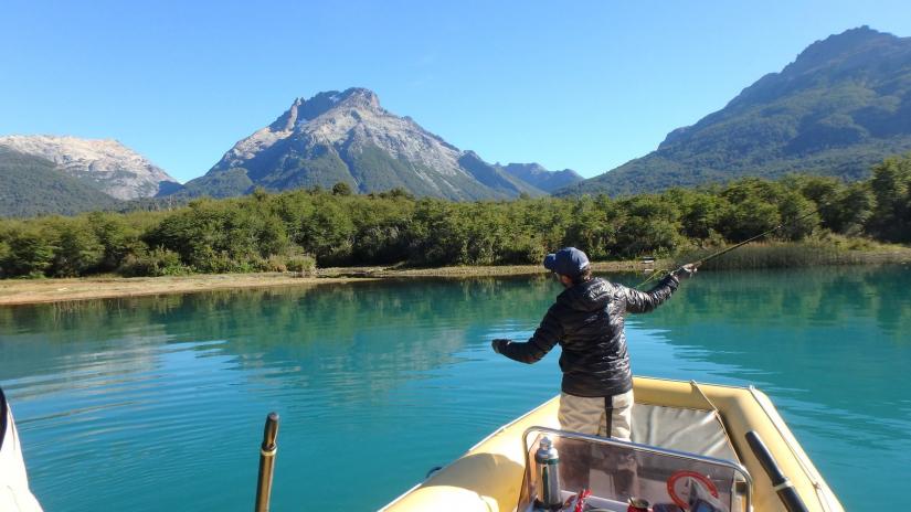 In Lago Guillelmo, Río Negro, Argentina you can Pesca en Lago Guillermo with LATITUR