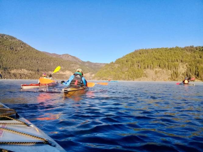 In 6 Km, from, San Martin de los Andes, Neuquén, Argentina you can Kayak en Lago Lacar hasta la Islita with LATITUR