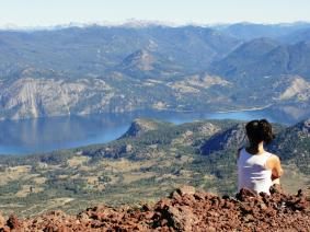 With LATITUR on Cerro Colorado, Neuquén, Argentina you can make Trekking al Cerro Colorado