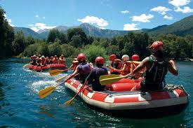 In Río Manso, Río Negro, Argentina you can Rafting Light en río Manso with LATITUR