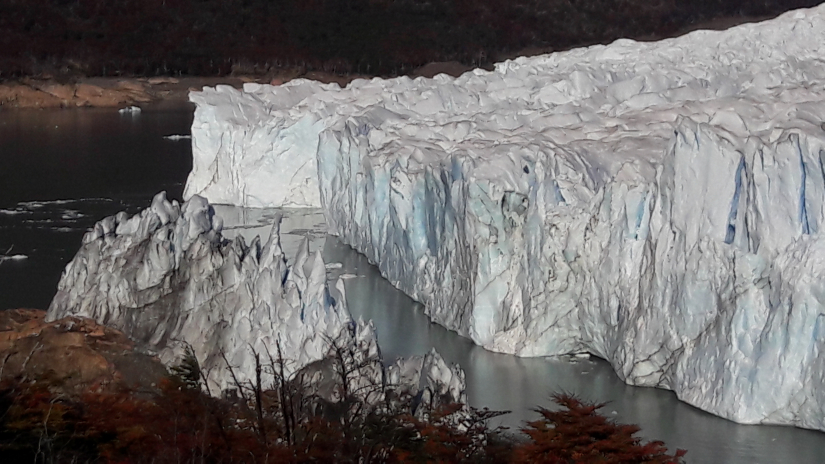 In Santa Cruz, Argentina you can Imponente Excursión al glaciar Perito Moreno with LATITUR