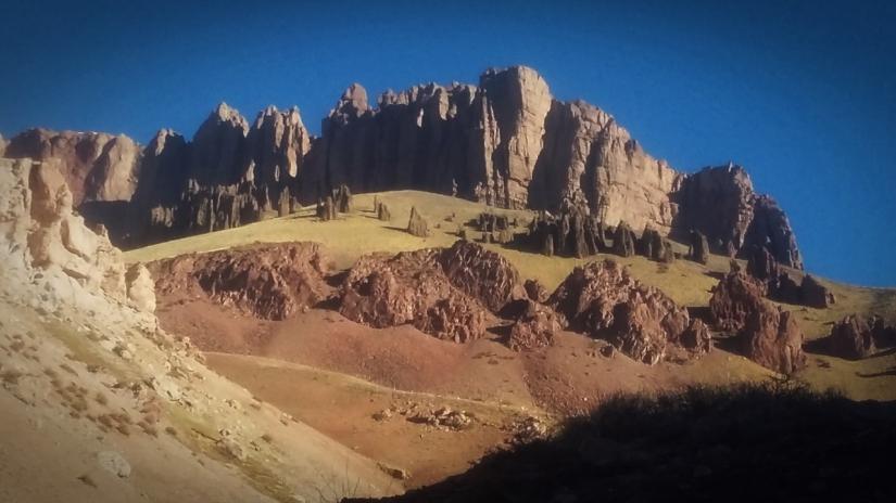 In Cerro Penitentes, Mendoza, Argentina you can Ascenso a Cerro Penitentes y Mirador del Aconcagua with LATITUR