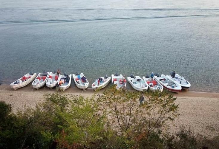 In Ita-ibate, Corrientes, Argentina you can Pesca dorado y surubí en Ita Ibate con Comidas with LATITUR
