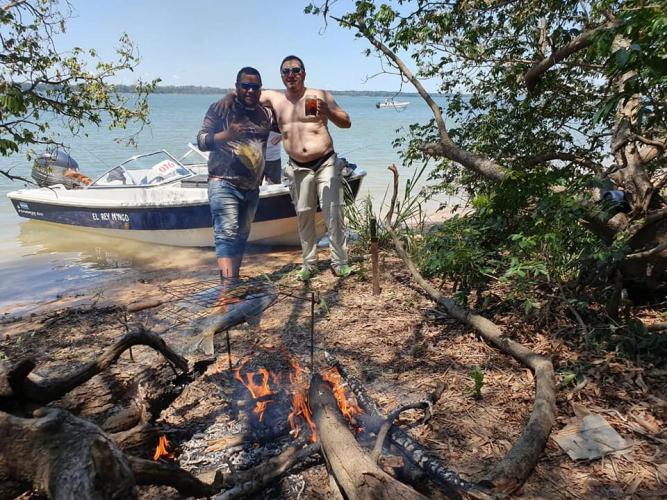 In Ita-ibate, Corrientes, Argentina you can Pesca dorado y surubí en Ita Ibate with LATITUR