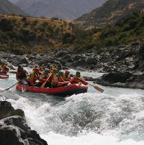 With LATITUR on Potrerillos you can make Rafting Gutierrez en Río Mendoza + Canopy Classic